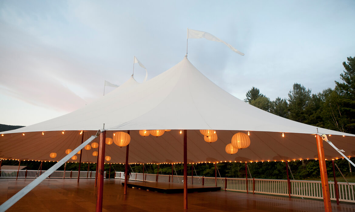 Rent a bandstand or staging for your wedding